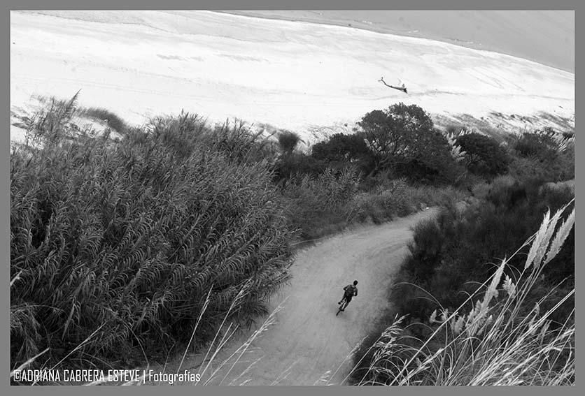 Bicicleteando en bajada, lo máximo